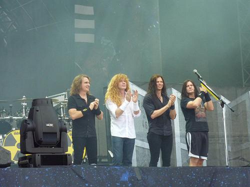 Archivo:Megadeth Sonisphere.jpg