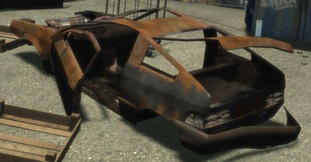 Archivo:BlistaCompact-dest(2) GTA4.jpg