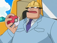 Archivo:EP526 Ingeniero jefe con su Poké Ball.png