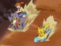 Archivo:EP033 Misty montada en Starmie y Pikachu en Squirtle de Ash.jpg