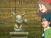 EP455 Estatua de Pikachu.jpg