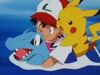 Archivo:EP254 Ash nadando con Totodile.png