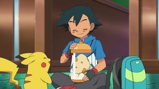 Archivo:EP674 Ash con su huevo.jpg