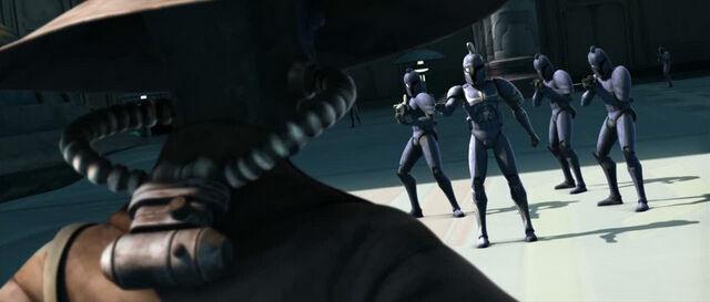 Archivo:CommandosConfrontBane-HC.jpg