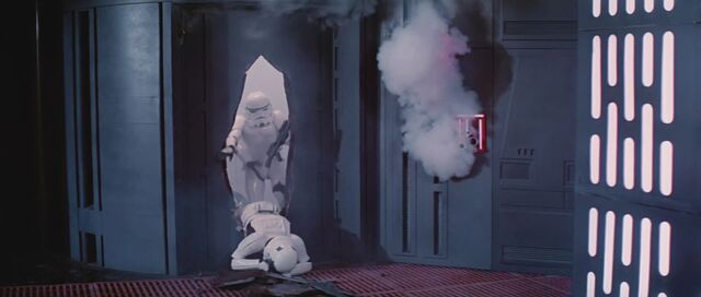 Archivo:Stormtrooper-muerto.jpg