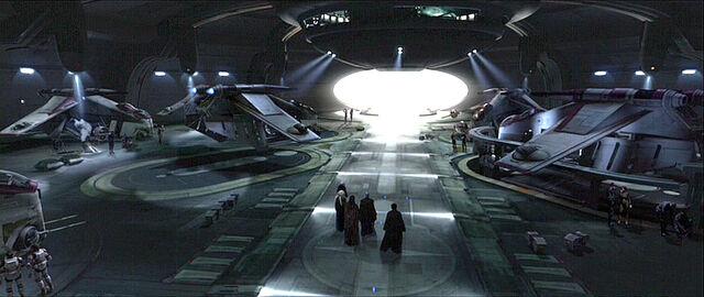 Archivo:Hangares del Templo Jedi.jpg