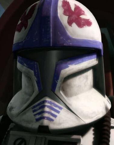 Archivo:Hawk custom helmet.jpg