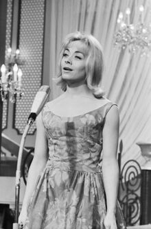 440px-Eurovision Song Contest 1962 - Isabelle Aubret