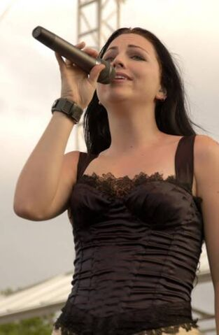 File:Amy Lee Evanescence Picture 100.jpg