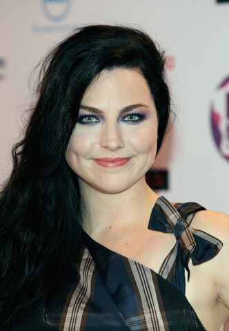 File:Amy+Lee+MTV+Europe+Music+Awards+2011+Media+4t9BaHHu5ZZl.jpg