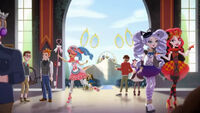 The World of Ever After High - lots going on