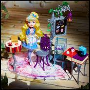 Facebook - Just Sweet Blondie