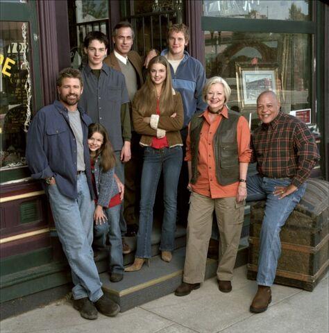 File:Everwood cast member.jpg