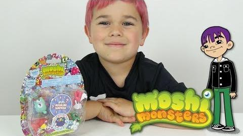 Moshi Monsters - Auto Opens a Moshling 5 Pack with 1 Surprise!