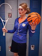 Desdemona-Gym-profesora-Every-Witch-Way
