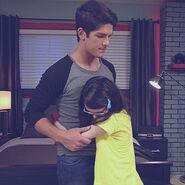 Jassie hug