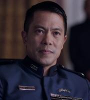 S02E09-ByronMann as AdmiralAugustoNguyen 00a
