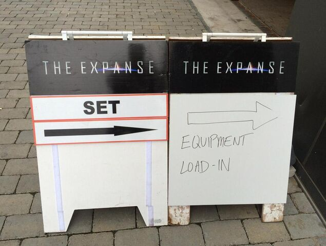 File:The Expanse signs outside filming set.jpg