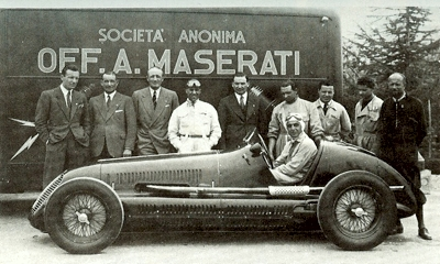 File:Team Maserati Villoresi.jpg