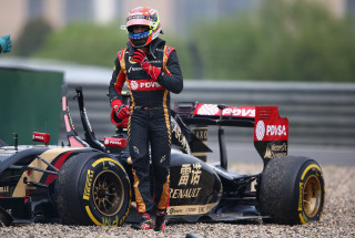File:Maldonado FP2 2014 Chinese GP Crash.jpeg