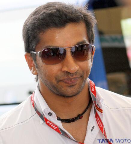 File:Narain Karthikeyan 2011 Malaysia2.jpg