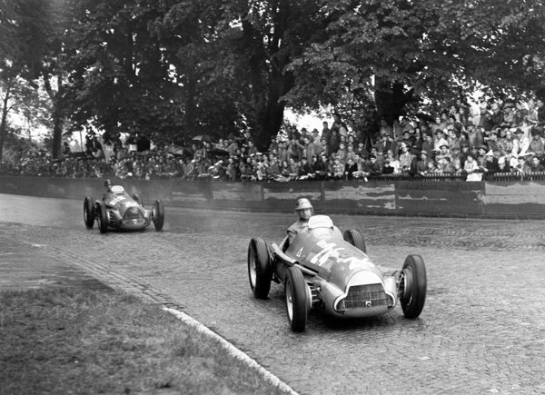 File:1951 1 Fangio Farina.jpg