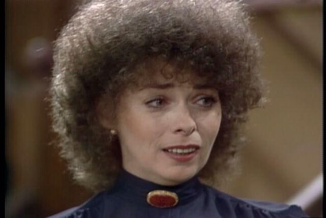 File:Jenny O'Hara as Emily Mahoney.jpg