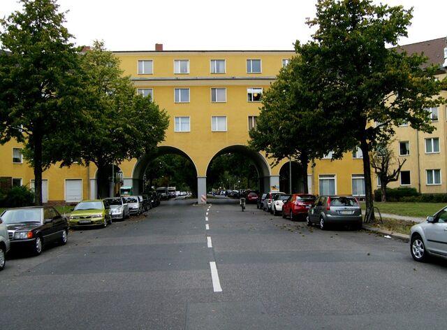 Datei:Mannfred-von-Richthofen-Straße.jpg