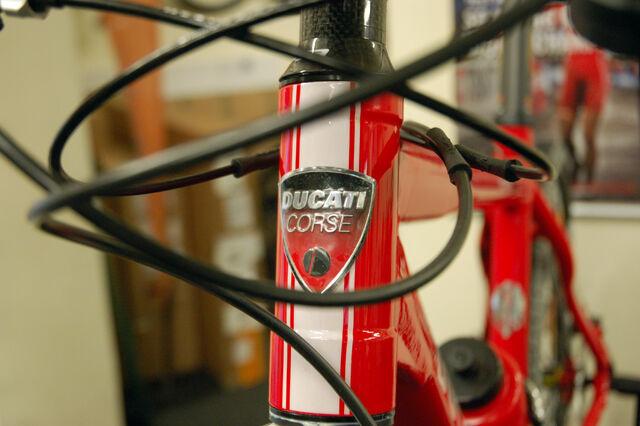 Datei:Ducati-corse.jpg