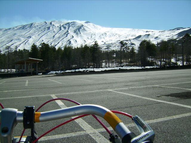 Datei:Italien aetna parkplatz dalli.jpg