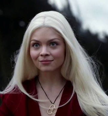 File:Alexis Smiling Before Killing Monk Drawing Straws S4.png