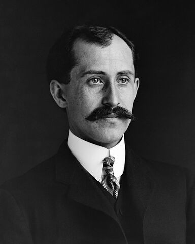 File:Orville Wright (real).jpg
