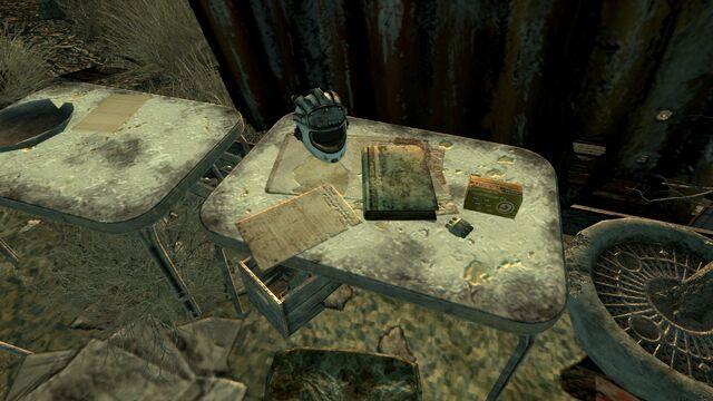 File:FO3 Scavenger shack loot.jpg