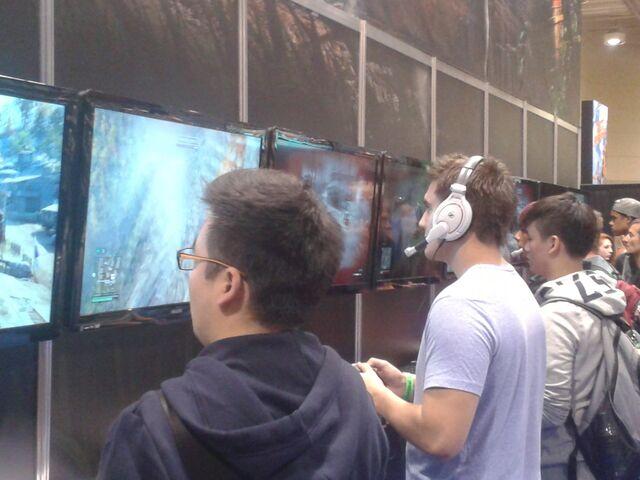 File:Far Cry 4 - 2 - Fan Expo.jpg