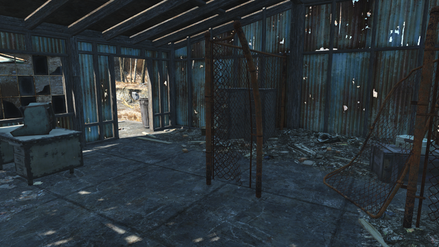 File:FO4 Rotten Landfill shack.png