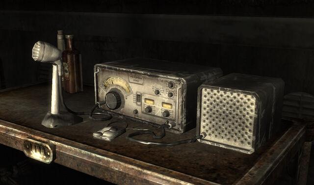 File:Ham Radio.jpeg