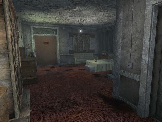 File:Dino Dee-Lite Hotel Room.jpg