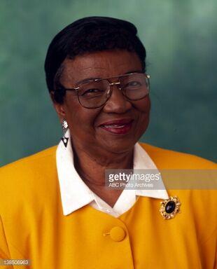 Estelle Winslow   Family Matters Wiki   FANDOM powered by ... Rosetta Lenoire
