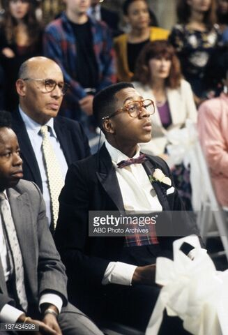 File:Jaleel White (sitting).jpg