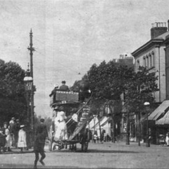 Another old photo thereof, this one taken in an (undisclosed but estimated) 1898. The road has been much less pedestrianized, with cars now dominating the roads, but all buildings still remain. The preservation orders here are ubiquitous, insofar as all of the destroyed buildings being rebuilt the day after VE Day (at least, their reconstruction started that day).