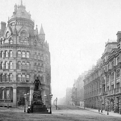 The aforementioned Grosvenor Street, which survived the war (almost) unscathed. Pictured here is its junction with the High Street, which extends southwards, making it giving it a larger length than that of Grosvenor. Thankfully, Grosvenor joins it at the historic part of the High Street, as the southbound High Street was bombed badly and regenerated heavily, inasmuch as it connects to the Lavingtonshire Mall, a 1960's disaster of a shopping centre, pulled down only two decades later in 1987.