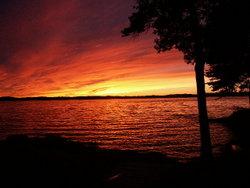 File:250px-Winnipesaukee Sunset 8-28-2002 (JJH).jpg