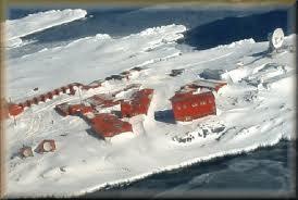 File:Antarctic military base.jpg