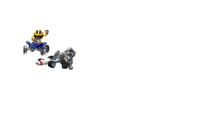 File:MK7 TS Pac-Man & Metal Mario.JPG