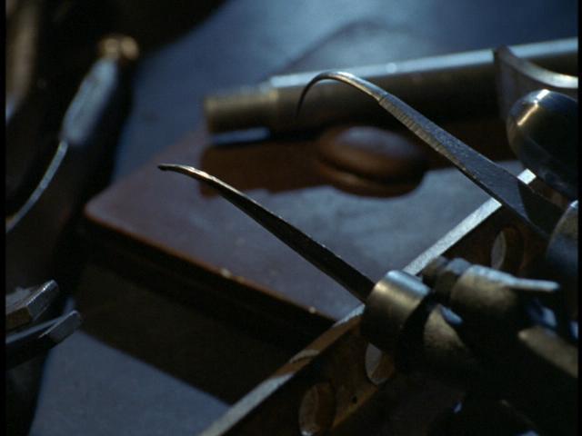 File:Bending metal.JPG