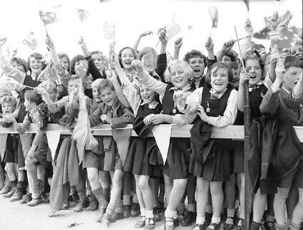 File:A1773 RV660 - Children Cheering 1954.jpg