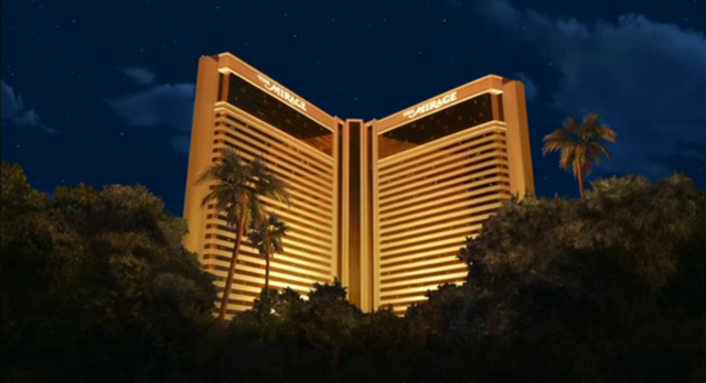 File:Father of the Pride The Mirage at Night.png