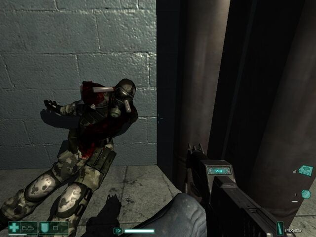 File:Point Man Holding the Weapon.jpg