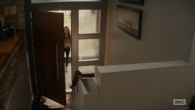 File:Alicia goes in through the open door.png