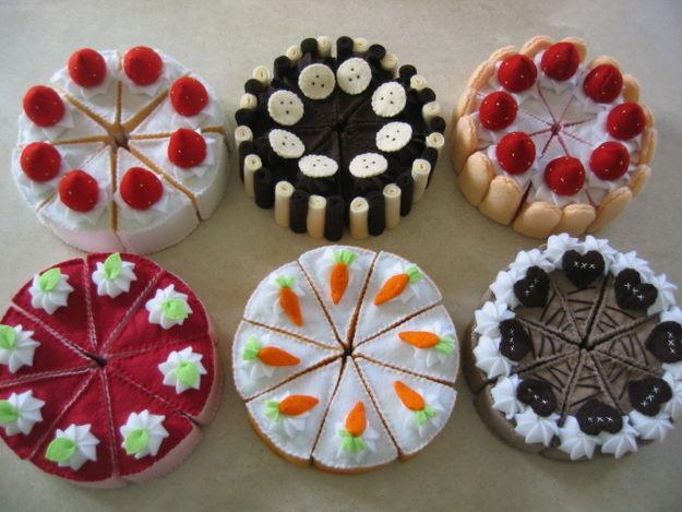 File:Cakes.jpg